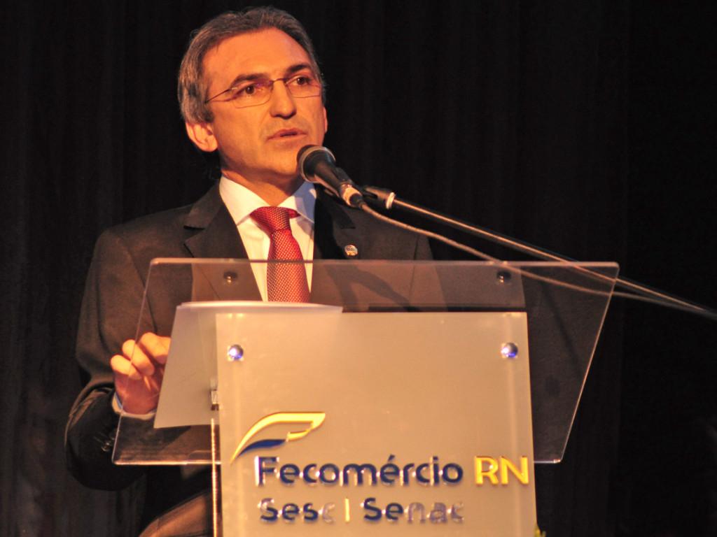 Presidente Marcelo Queiroz no momento do seu discurso