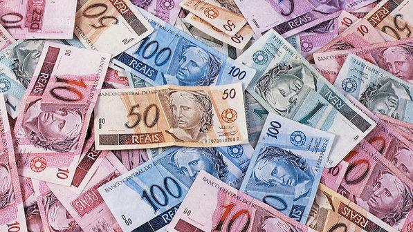economia-especial-brasil-planos-economicos-anuncio-plano-real-fhc-20010424-007-size-598