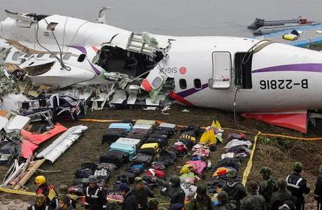 mundo-taiwan-aviao-piloto-heroi