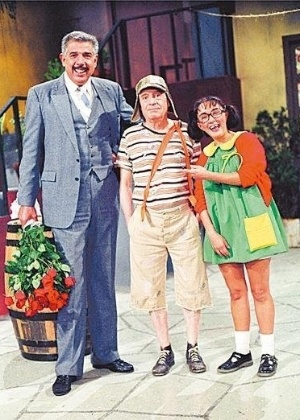 ruben-aguirre-como-professor-girafales-roberto-gomez-bolanos-o-chaves-e-maria-antonieta-de-las-nieves-a-chiquinha-do-seridado-mexicano-chaves-1417214943836_300x420